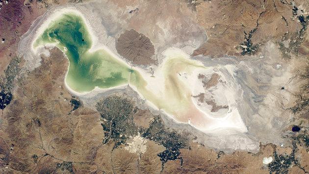 Der Urmia-See im Jahr 2014 (Bild: NASA (Public Domain))