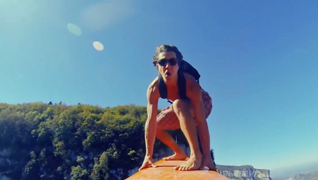 Nichts für Angsthasen: Surfen in 600 Metern Höhe (Bild: Zoomin.TV)