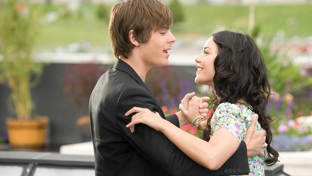 """Zac Efron spielte mit Vanessa Hudgens in der Teenie-Reihe """"High School Musical"""". (Bild: Moviestore Collection/face to face)"""
