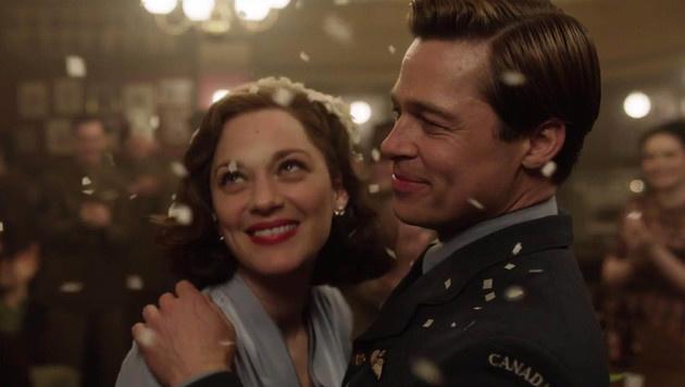 """Brad Pitt und Marion Cotillard in """"Allied"""" (Bild: Viennareport)"""