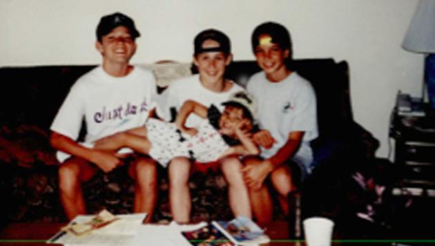 Britney Spears (rechts) mit Justin Timberlake und Ryan Gosling sowie Schwester Jamie Lynn (Bild: Viennareport)