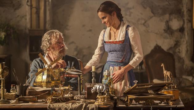 Belle mit ihrem Vater (Bild: Walt Disney Studios)