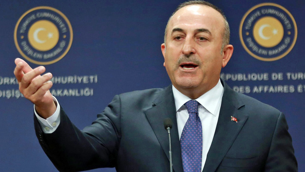 Cavusoglu reitet wilde Attacken. (Bild: AFP)