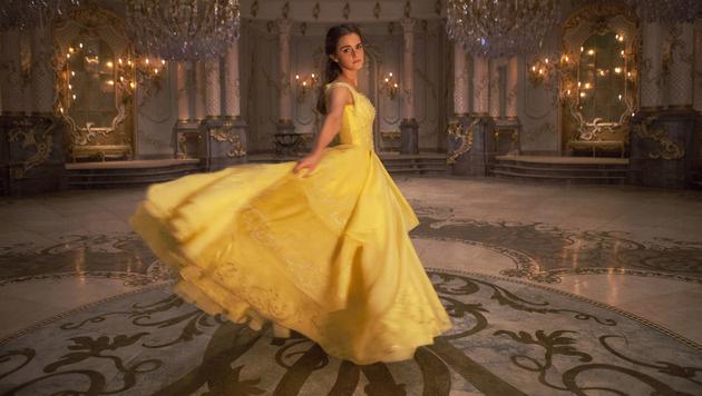 "Emma Watson als ""Belle"" in Traumrobe (Bild: Walt Disney Studios)"