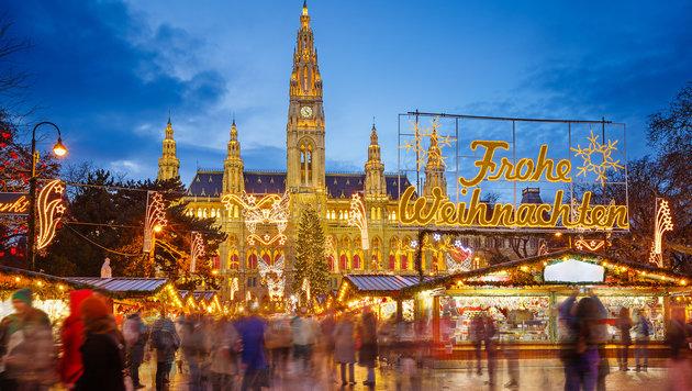 """""""Pleiten, Pech & Gruppenkuscheln am Weihnachtsmarkt (Bild: Thinkstockphotos.de)"""""""