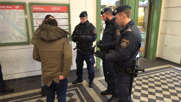 Wiens Drogen-Hotspots: 600 Festnahmen seit Juni (Bild: krone.tv)