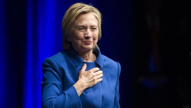 Nach Niederlage: Was ist mit Hillary Clinton los? (Bild: Associated Press)