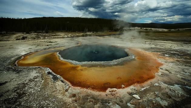 USA: Tourist (23) in heißer Quelle aufgelöst (Bild: APA/AFP/MARK RALSTON)