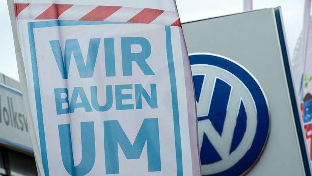 """Zukunftspakt"": VW baut weltweit 30.000 Stellen ab (Bild: APA/dpa/Boris Roessler)"