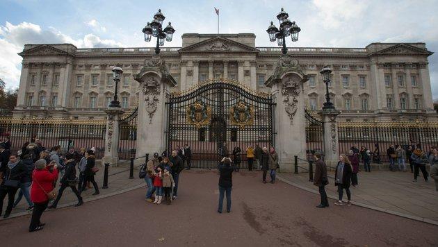 Alte Leitungen: Buckingham Palast wird renoviert (Bild: APA/AFP/Daniel Leal-Olivas)