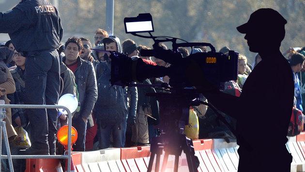 """Schwedens Regierung will mit eigenem Medienkonzern auch über Flüchtlinge """"richtig"""" berichten. (Bild: APA/BARBARA GINDL, thinkstockphotos.de)"""
