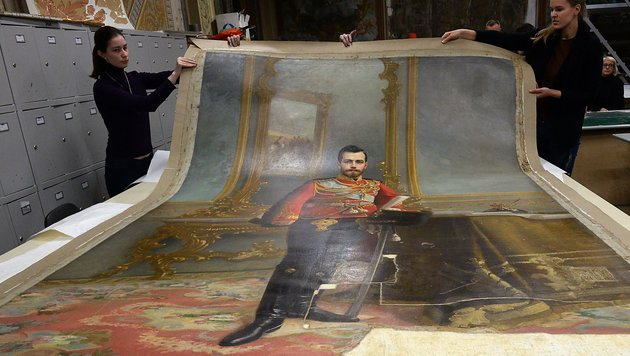 Zarenbild auf Rückseite von Lenin-Gemälde entdeckt (Bild: APA/AFP/Olga Maltseva)