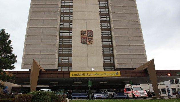 71-Jährige verschwand unbemerkt aus Krankenhaus (Bild: Helmut Horvath)
