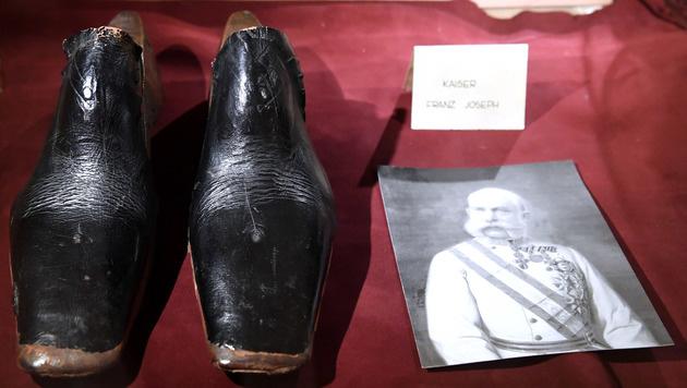 Maßschuhe von Kaiser Franz Joseph (Bild: APA/HELMUT FOHRINGER)