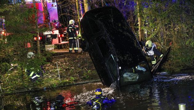 Betrunkener (32) rettet sich aus sinkendem Auto (Bild: laumat.at/Matthias Lauber)