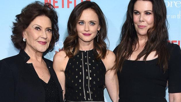 """Kelly Bishop, Alexis Bledel und Lauren Graham bei der Premiere von """"Gilmore Girls: Ein neues Jahr"""" (Bild: Walker/face to face)"""