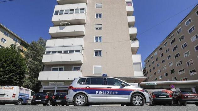 Tatort Elisabethstraße: In diesem Wohnhauses fand die Exekutive den toten Serben (30). (Bild: Markus Tschepp)