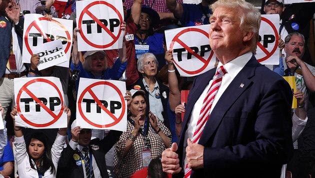 Kampfansage: Trump kippt erstes Handelsabkommen (Bild: APA/AFP/SAUL LOEB, AP)