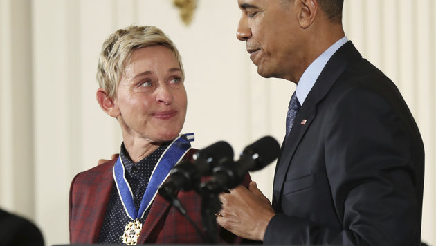 Barack Obama rührt Ellen DeGeneres zu Tränen. (Bild: Copyright 2016 The Associated Press. All rights reserved.)