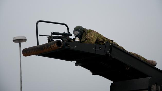 Anti-Terror-Übung mit Soldaten, Cobra und Panzer (Bild: Bernhard Gubier)