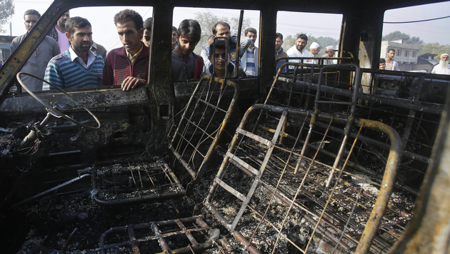 Erneut blutige Eskalation im Kaschmir-Konflikt (Bild: AP)