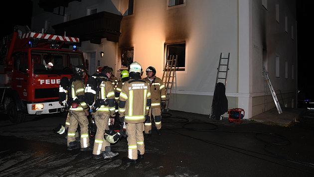 Explosion nach Wohnhausbrand in Tirol: Ein Toter (Bild: zoom.tirol)