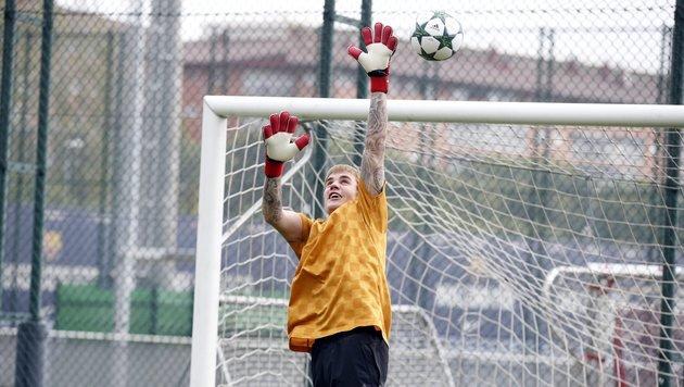 "Justin Bieber ""wechselt"" zum FC Barcelona (Bild: EPA)"