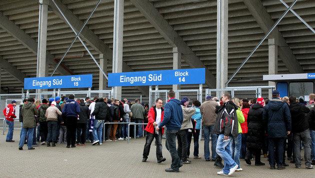 """Angst vor hüpfenden Fans: Derby als """"Geisterspiel"""" (Bild: GEPA)"""