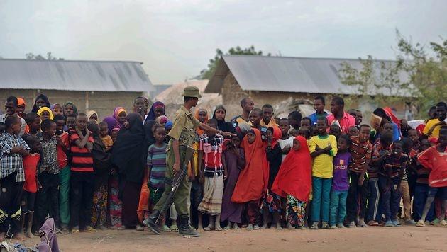 Kenia: Weltgrößtes Flüchtlingslager vor Schließung (Bild: AFP)