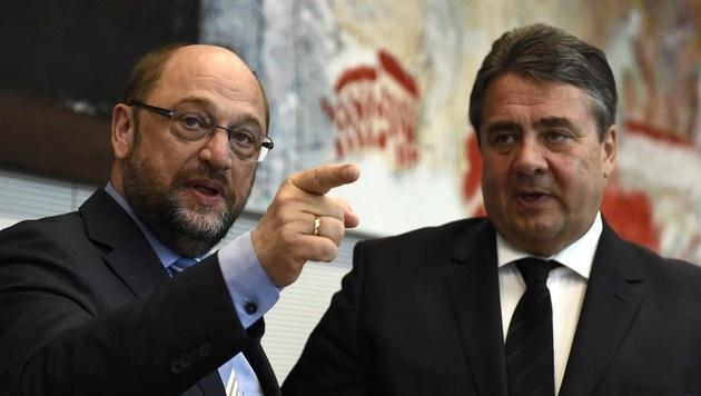 Martin Schulz (li.) und SPD-Chef Sigmar Gabriel (Bild: AFP)