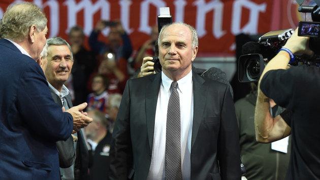 Bayern-Präsident Hoeneß im Gefängnis provoziert (Bild: APA/AFP/CHRISTOF STACHE)