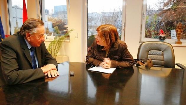 Richard Lugner im Interview mit Conny Bischofberger (Bild: Martin A. Jöchl)