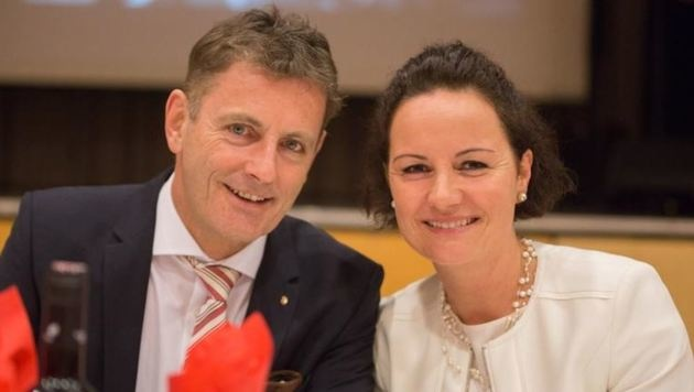 SPÖ-Power-Paar: Othmar Schneglberger und Conny Ecker sind seit rund zwei Jahren zusammen. (Bild: Arne Müseler)