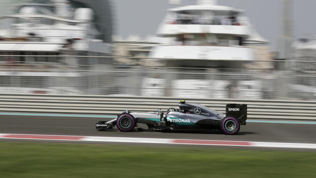WM-Leader Rosberg in Abu Dhabi hinter Hamilton (Bild: AP)