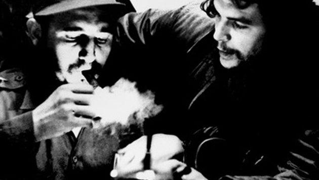 Fidel Castro mit Che Guevara (Bild: APA/AFP/ROBERTO SALAS)