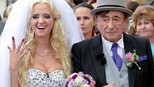 Hat diese Ehe Sie krank gemacht, Herr Lugner? (Bild: APA/Herbert Neubauer)