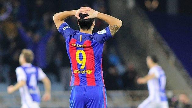 FC Barcelona patzt bei Real Sociedad (Bild: APA/AFP/ANDER GILLENEA)