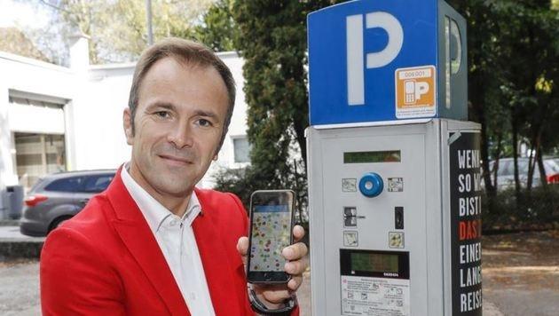 """Auinger: """"Erweiterung mit neuester Handyparken-Technologie"""" (Bild: Markus Tschepp)"""