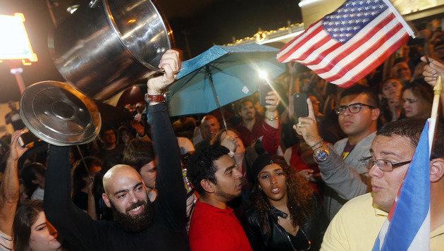 So feiern die Exil-Kubaner Tod von Fidel Castro (Bild: AFP)
