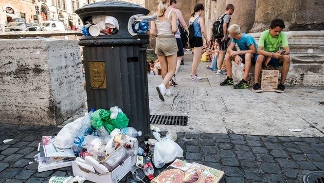 Italien schickt derzeit mehr Müll nach Österreich (Bild: AFP)