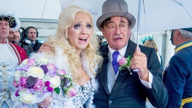 Bilder einer Blitzehe: Cathy und Richard Lugner bei ihrer Hochzeit vor zwei Jahren (Bild: babiradpicture/bpx)