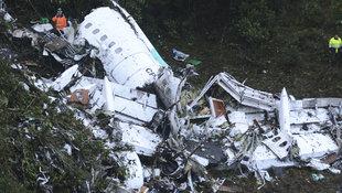 Flugzeug-Drama: Video zeigt Fußballteam vor Crash (Bild: Associated Press)