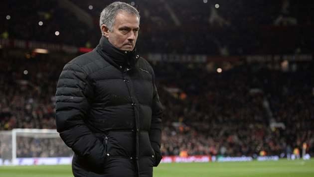 Krise bei ManU: Jose Mourinho droht lange Sperre (Bild: AFP)