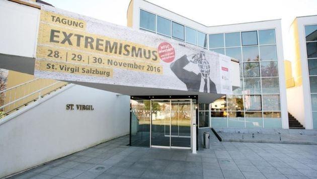 """Gut 300 Experten und Gäste diskutieren in Virgil über """"Extremismus"""". (Bild: Max Grill)"""