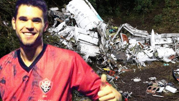 Flugzeugabsturz: Pass-Panne rettete Trainer-Sohn (Bild: AP/Fernando Vergara, facebook.com)