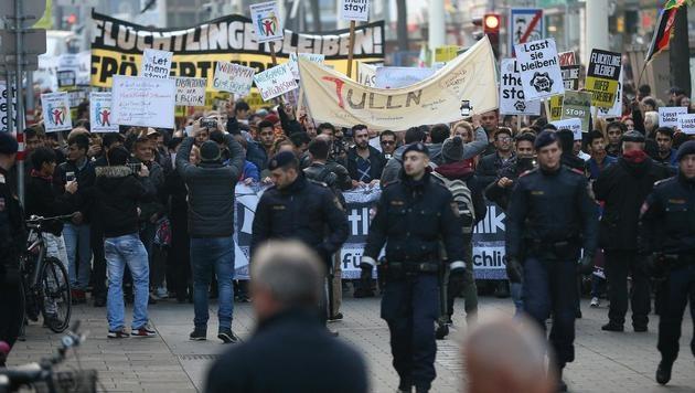Demo wird Nervenprobe für Handel und Autofahrer (Bild: APA/GEORG HOCHMUTH)