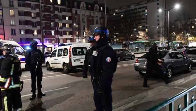 Geiselnahme bei Raubüberfall auf Pariser Reisebüro (Bild: AFP)