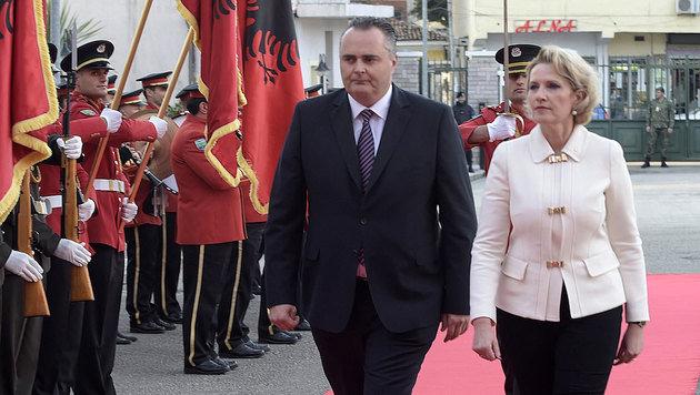Verteidigungsminister Doskozil traf unter anderem mit Amtskollegin Mimi Kodheli zusammen. (Bild: APA/BUNDESHEER/PUSCH)