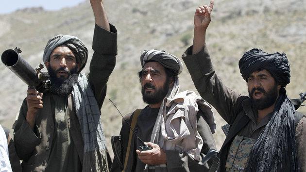 Afghanische Taliban-Kämpfer (Bild: Associated Press)