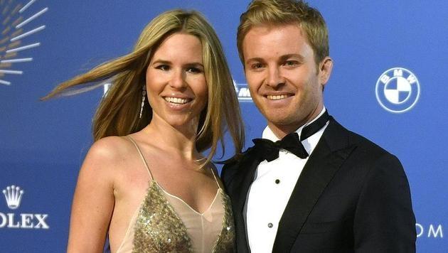 Hübsch, hübsch! Nico Rosberg kam mit seiner Frau Vivian zur Gala nach Wien. (Bild: APA/HERBERT NEUBAUER)